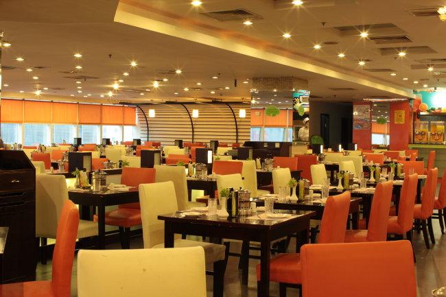 餐厅室内场景摄影图