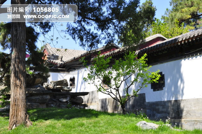 古代建筑 名胜古迹 阳光 别院 草地 后院 侧面视角 远景 横图 彩色