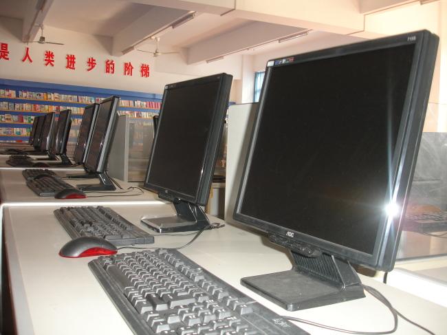 白昼 办公室 无人 文字 图书 近景 横图 多次曝光 彩色图片图片