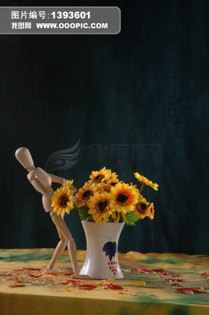 木头人偶和花