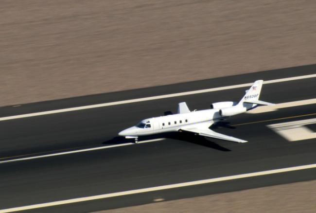 正起飞的飞机模板下载(图片编号:10162105)