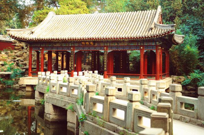北京北海公园古代建筑