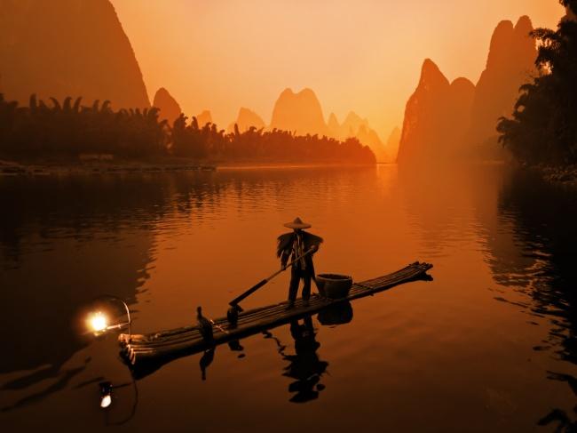 桂林山水图片 桂林山水风景 夜景夜色日落 黄昏 渔夫 渔船 捕鱼 高清