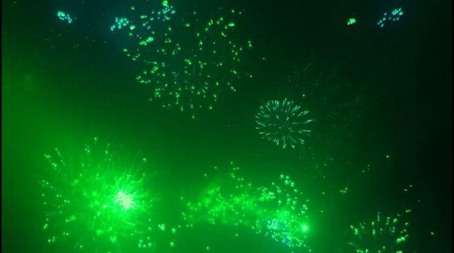 视频素材 动态视频素材 动态|特效|背景视频素材 > 蓝色礼花礼花背景