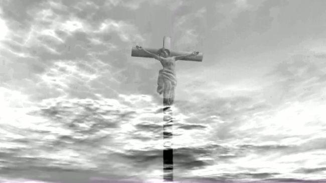 云端十字架高挂耶稣宗教超高清视频素材