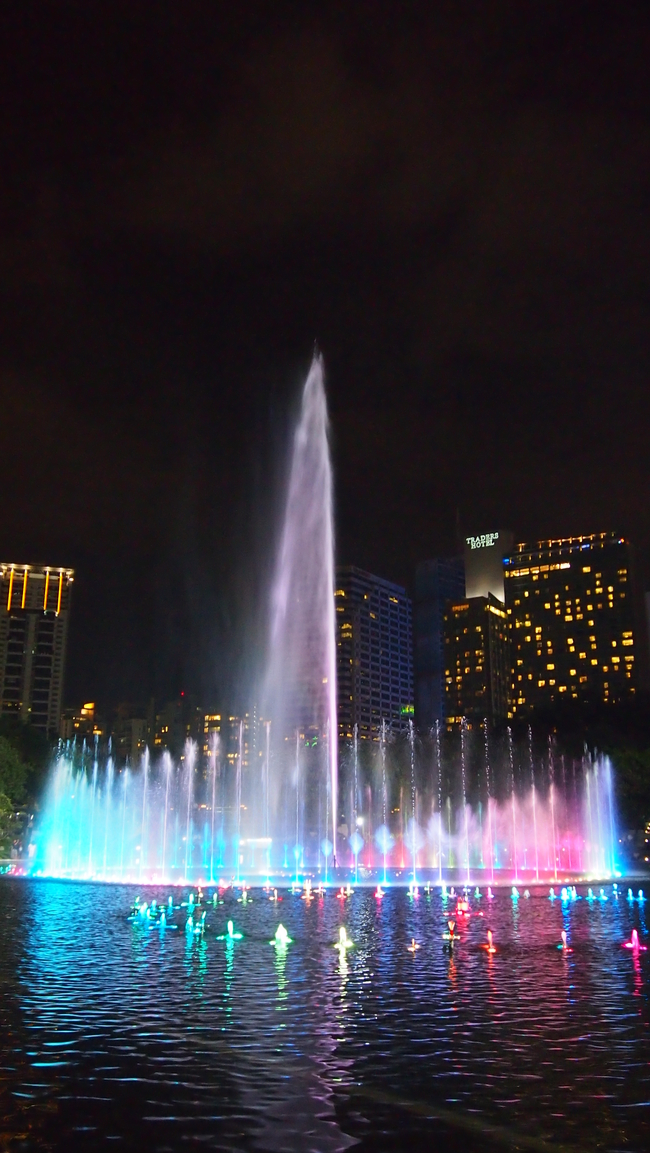 公园一角之喷泉模板下载 公园一角之喷泉图片下载 公园 广场一角 喷泉