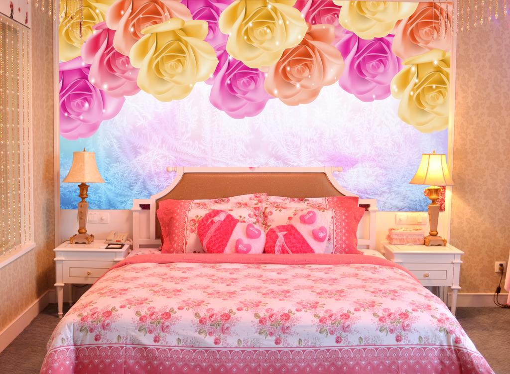 玫瑰花婚房卧室床头背景模板下载(图片编号:12114487)