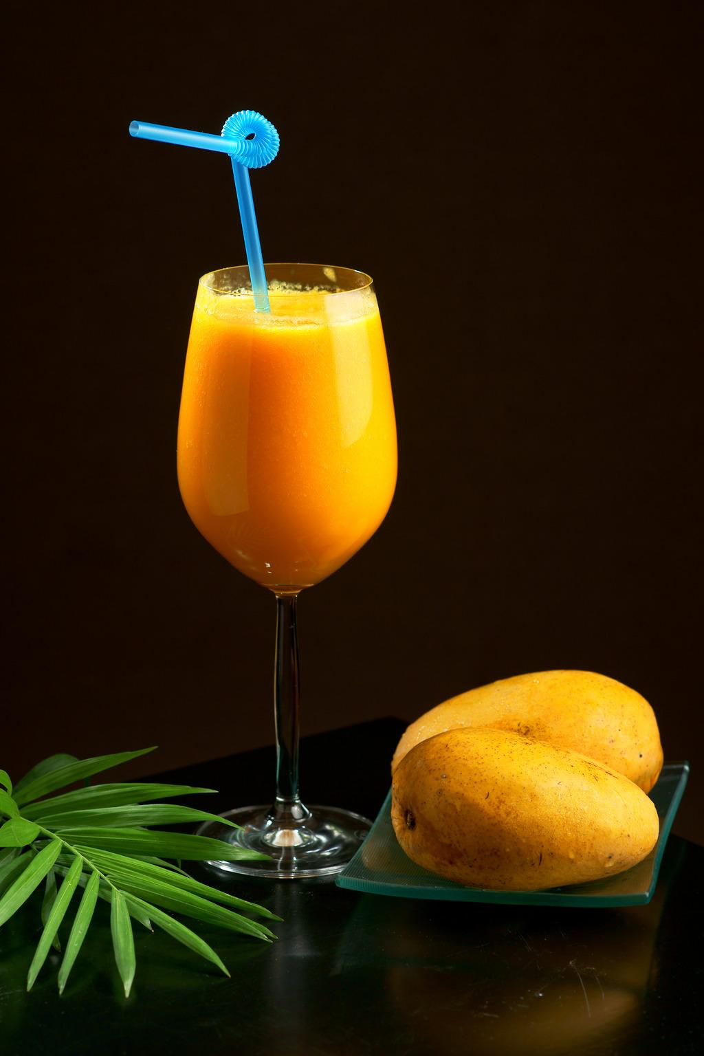 果汁饮料图片鲜榨芒果汁4