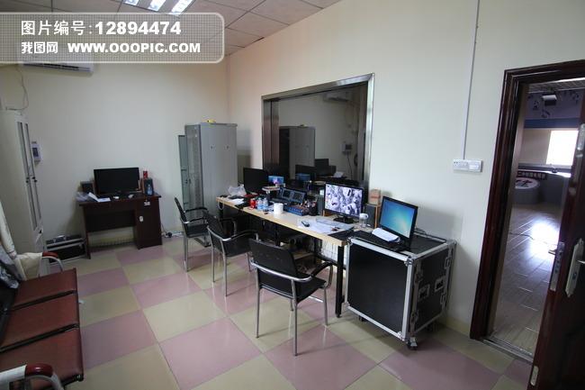 校园电视台 直播室 后期 采编 电视节目制作 房间设计 构造 布局 校园