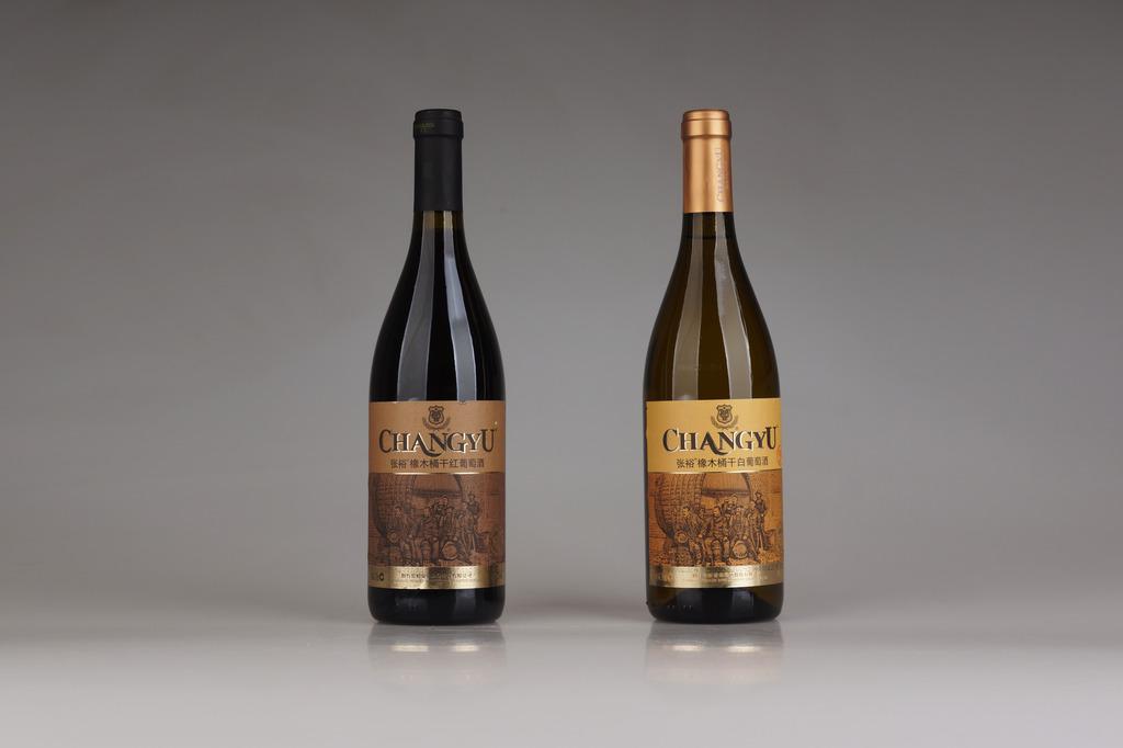 张裕橡木桶干红干白葡萄酒高清图片素材