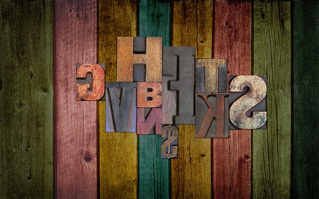 彩色木板字母背景墙