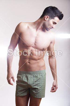 内衣 英俊/腹部