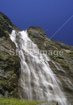 壁纸 风景 旅游 瀑布 山水 桌面 313_448 竖版 竖屏 手机