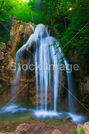 壁纸 风景 旅游 瀑布 山水 桌面 299_449 竖版 竖屏 手机