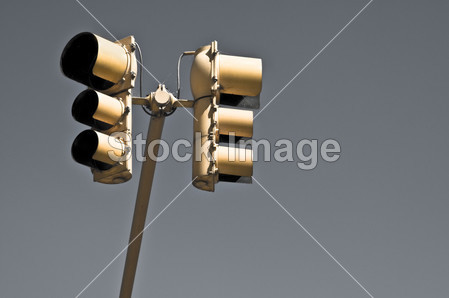 ne555模拟交通灯电路图