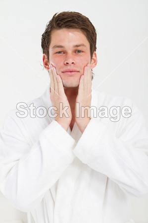 a图片的微笑应用润肤图片的美女图片素材(乳液配男人完图片