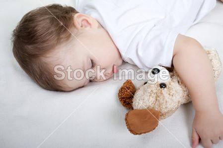 小孩睡觉摄影图片下载