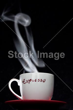 > 热气腾腾的咖啡