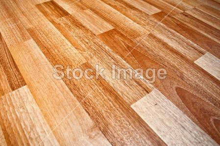 > 实木复合的地板